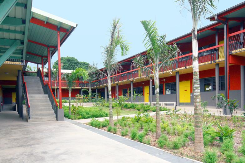 Jardin tropical  Extension du Collège Labattoir sur la commune de Dzaoudzi-Labattoir à Mayotte