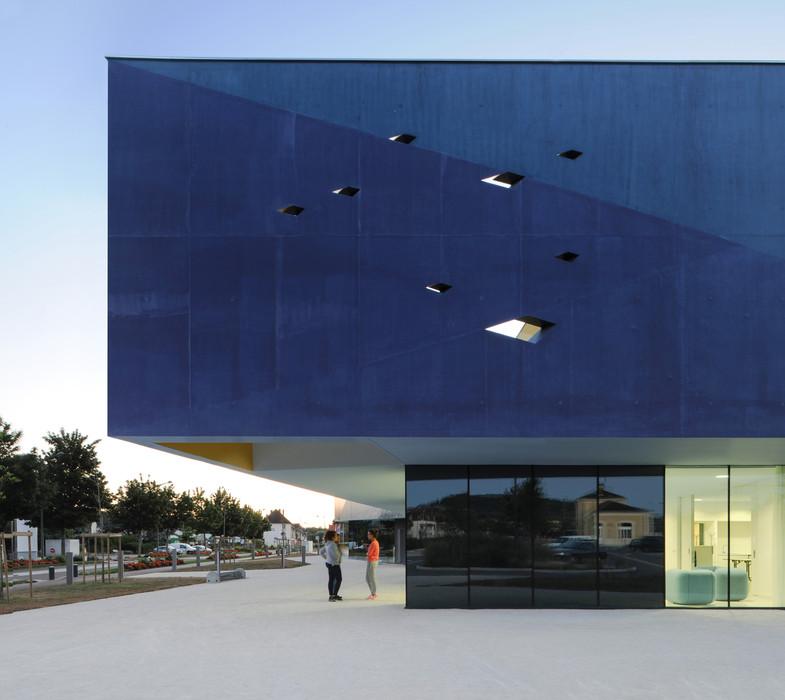 Centre d'art et de congrès, Pôle Intergénérationnel et Office de Tourisme à Venarey-Les Laumes