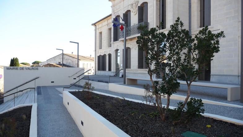 Réaménagement de la mairie de Valros et de son parvis