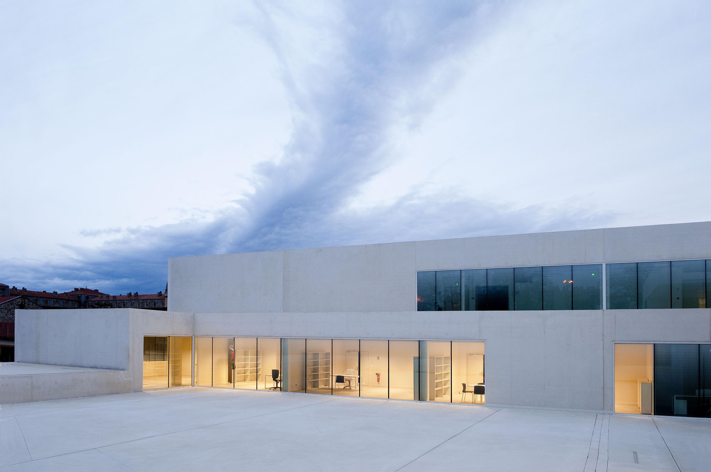 Le prix femme architecte 2015 d cern corinne vezzoni for Architecte prix