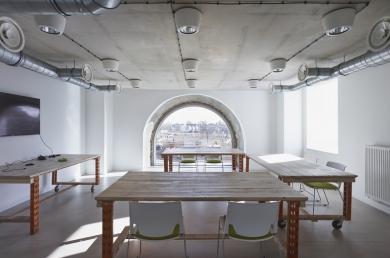 Rigot Stalars - Réhabilitation - Extension d'une ancienne filature pour un programme mêlant bureaux (espaces de coworking et salle de séminaires et formations), cafétéria et micro-crèche.
