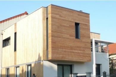 Réhabilitation basse consommation et agrandissement d'une maison individuelle à Villejuif (Odile Veillon arch. © architecte).