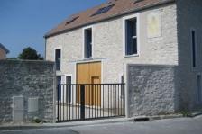 Restructuration d'une ferme en centre-village, Follainville (78), H=L architecture