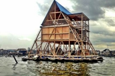 Makoto floating school, Kunlé Adeyami arch., Prix Vassilis Sgoutas 2014. source : UIA