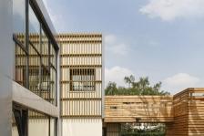 Crèche municipale Miriam Makeba, Montreuil -      Architectes : Atelier Filippini, Jacob Kalfsbeek (© Crédit photo : Jérôme Epaillard) (Source : Archicontemporaine.org)