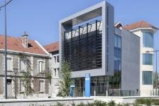 Maison du Conseil Général, Saint-Marcellin / Isère,      Architecte(s) :     L'Autre Fabrique, Jean-Pascal Crouzet, François Durdux (© photo : Luc Boegly) (source : archicontemporaine.org)