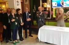 Isabelle Chesneau à la signature de la convention Cafés de l'immobilier