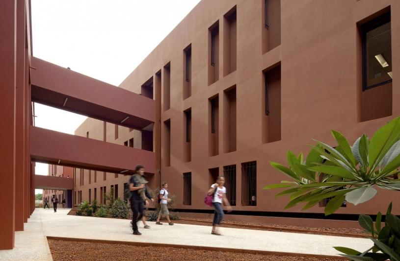 Groupe scolaire français Jean Mermoz à Dakar, Sénégal - Terreneuve arch.