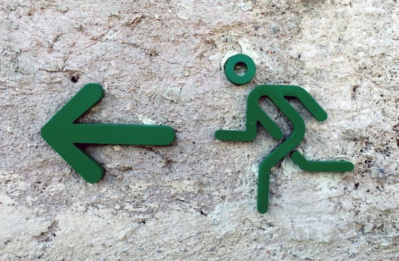 output_exit_arrow_snowman_green_pictogram-621418.jpg