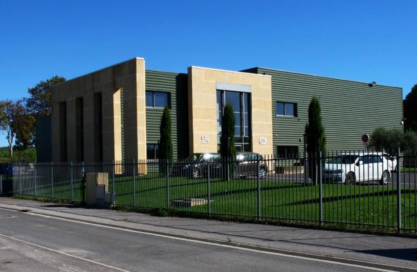 Devanture bâtiment industriel