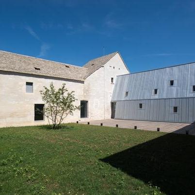 Restauration et extension de la Léproserie de Meursault -Simon Buri Architecte, Jung Architectures (associé)
