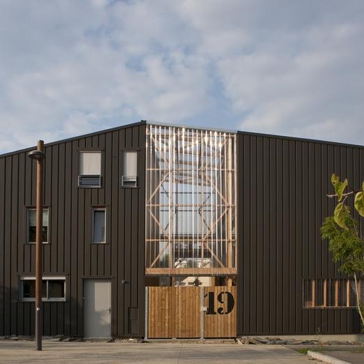 6 logements groupés en autopromotion à Nantes, architectes : Boris Nauleau, Michel Bazantay (Source : archicontemporaine.org)