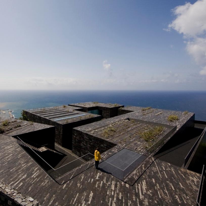 Centre d'art Casa das Mudas à Calheta au Portugal - Photo : Fernando GUERRA