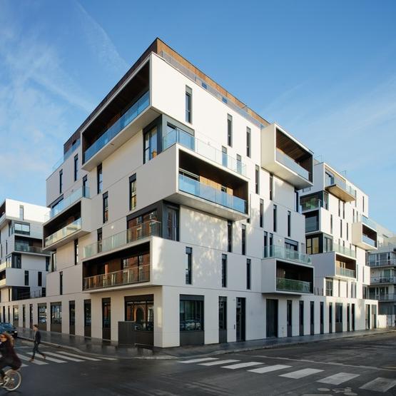 86 logements collectifs sociaux, Paris 15e - Architectes : Ameller Dubois & Associés (© Takuji Shimmura) (Source : Archicontemporaine.org)
