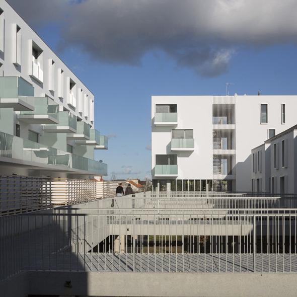 Logements à Nantes - BABIN + RENAUD arch. (© photo : C. Septet). Source : Archicontemporaine.org