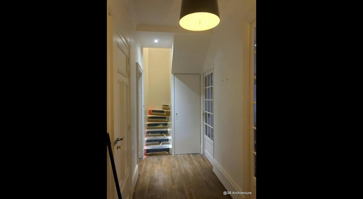 Unification de deux niveaux d'un immeuble de ville pour la création d'un duplex à Nancy 54 - escalier