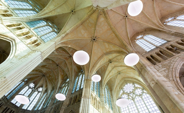 © Thierry Bonne - Installation lumineuse Physis - Abbatiale Essomes sur Marne