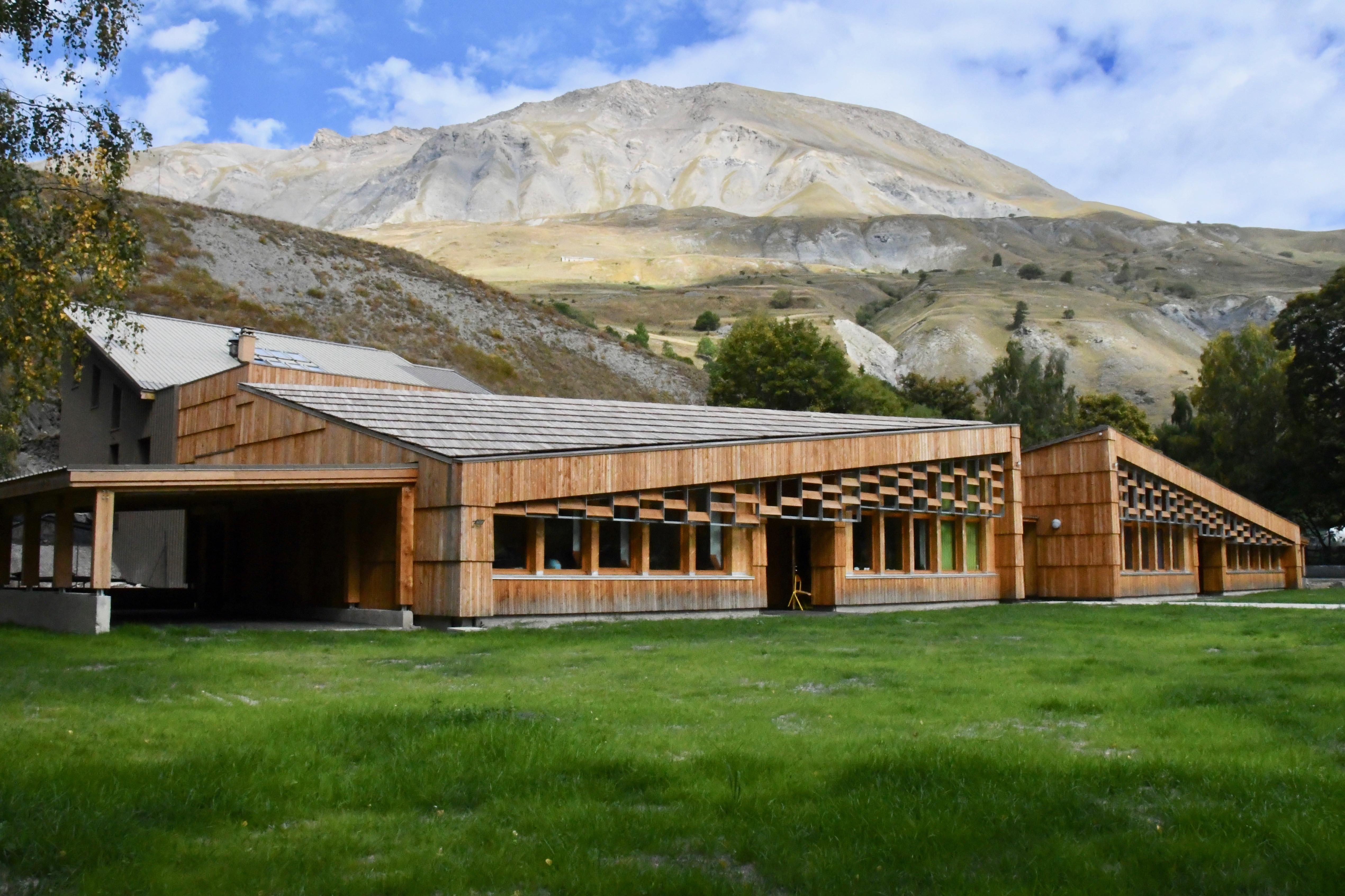 Groupe scolaire Villar d'Arène - Hautes-Alpes - Prix départemental 2019